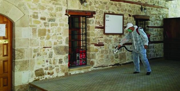 Kahramanmaraş'ta camiler ibadete hazırlanıyor