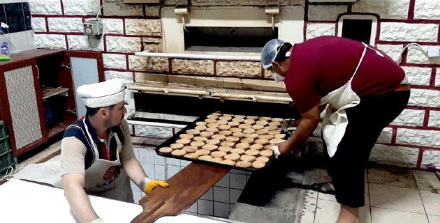 Türkoğlu'nda bayram çöreği mesaisi