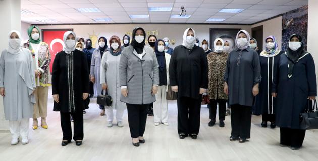 AK kadınlardan Dilipak'a suç duyurusu