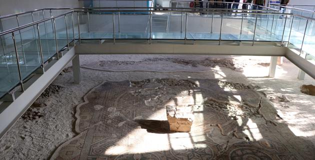 Germanicia Antik Kenti'nde sergilenen mozaik alanları artıyor