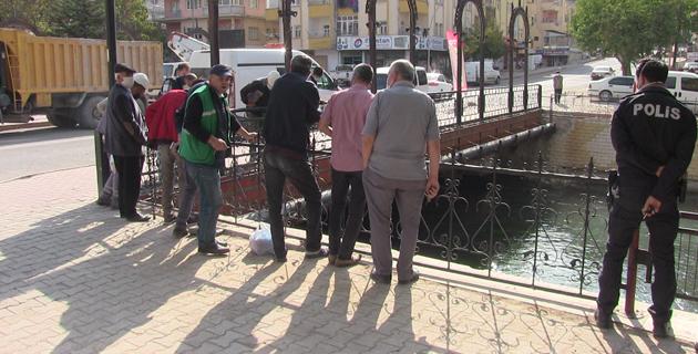 Kahramanmaraş'ta boğulma tehlikesi geçiren çocuğu çevredekiler kurtardı