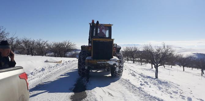 Kuzey İlçelerinde Kar Mücadelesi Sürüyor