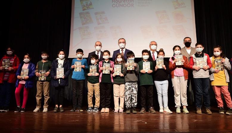 Kahramanmaraş Büyükşehir'den 101 Bin Öğrenciye Kitap Hediyesi