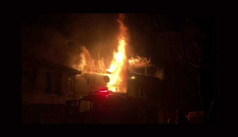 Kahramanmaraş'ta ev yangınında iki kişi yaralandı