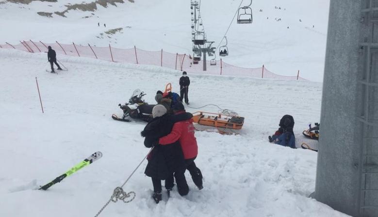 Yedikuyular Kayak Merkezi'nde mahsur kalan 9 kişiyi jandarma kurtardı