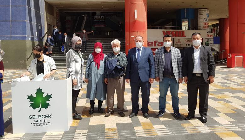 Gelecek Partisi Üye Kaydını Maske Dağıtarak Yaptı