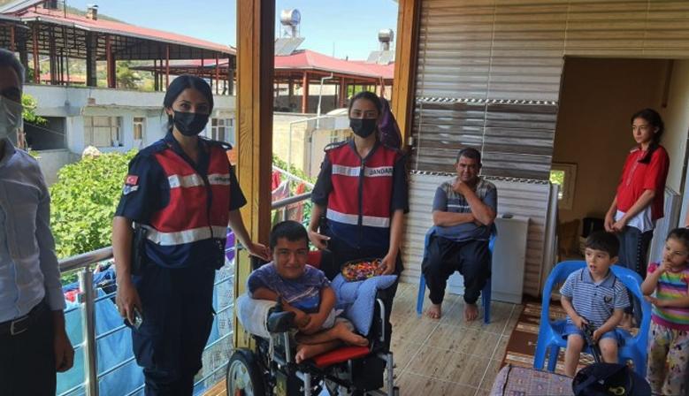 Kahramanmaraş'ta Jandarma engellileri unutmadı