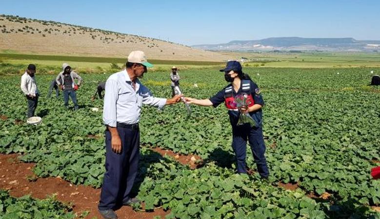 Kahramanmaraş'ta jandarma Çiftçiler gününü kutladı