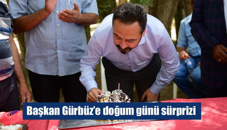 Başkan Gürbüz'e doğum günü sürprizi